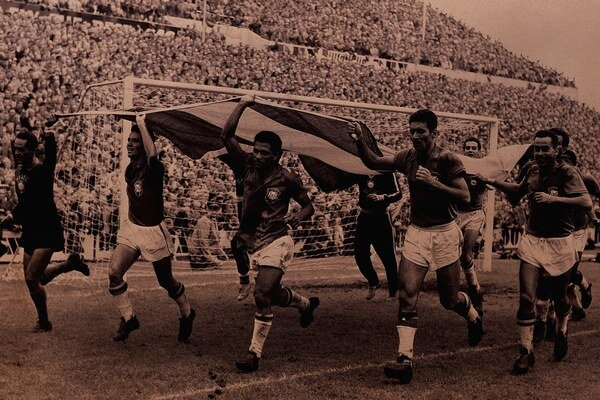 Brazílčania oslavujú svoj prvý titul majstrov sveta v roku 1958.