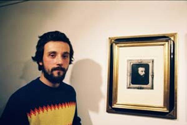 Svätopluk Mikyta sa narodil v roku 1973 v Čadci. V rokoch 1993 - 1999 študoval na Vysokej škole výtvarných umení v Bratislave na katedre grafiky. V súčasnosti tu pôsobí ako asistent a absolvuje doktorandské štúdium.