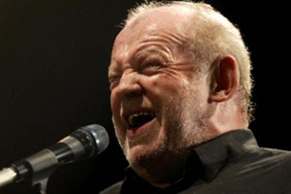 Britský veterán, spevák Joe Cocker.