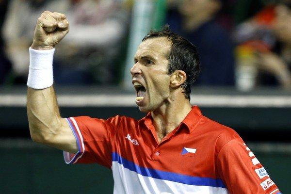 Český tenista Radek Štěpánek sa raduje v zápase proti Japoncovi Tacumovi Itovi.
