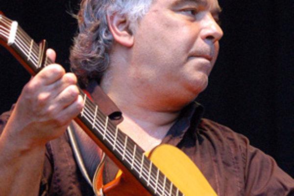 Gitarista a spevák Nicolas Reyes z  Gipsy Kings.