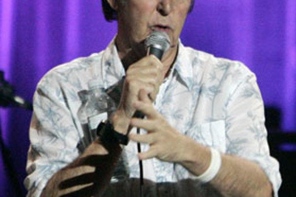 Jeden z dvoch žijúcich členov skupiny Beatles, sir Paul McCartney, reagoval na správu o vyslaní skladby do kozmu pozitívne.