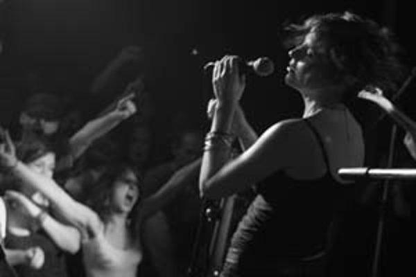 Lucia Piussi na koncertnom krste nového albumu.