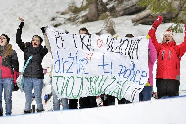 Fanúšikovia slovenskej juniorskej reprezentantky Petry Vlhovej, ktorá získala zlato.