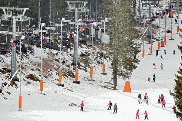 Ilustračná snímka z jarnej lyžovačky v Jasnej.