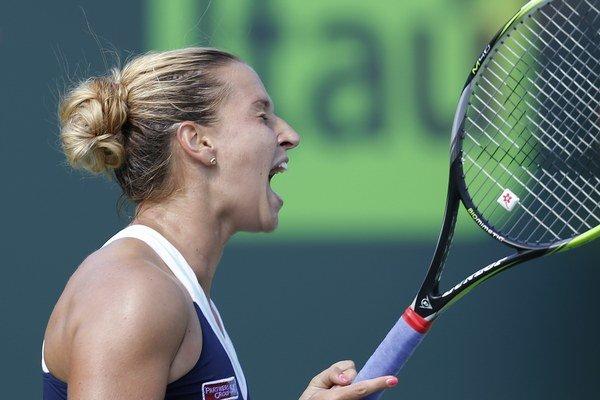 Dominika Cibulková pokračuje v Miami vo výborných výkonoch.