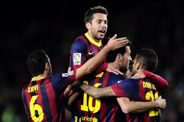 Takto sa futbalisti Barcelony tešili po prvom góle Busquetsa.