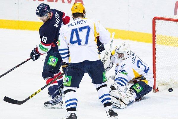 Prvý gól Slovana takto strelil Milan Bartovič.