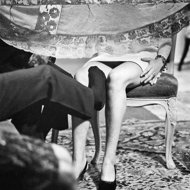 Sladký čas Kalimagdory (1968) réžia: Leopold Lahola. Bizarný príbeh človeka, ktorý žije podľa ročného kolobehu prírody - na jar je skoro dieťa, v lete dospieva v muža a zimu prespáva na salaši – je aj príbehom zlyhávania v láske a nenaplnených očakávaní. Hovorí o mužskej impotencii, neuspokojenej ženskej sexualite, o symptómoch potlačených pudov. Kalimagdoru hrala Magda Vášáryová.