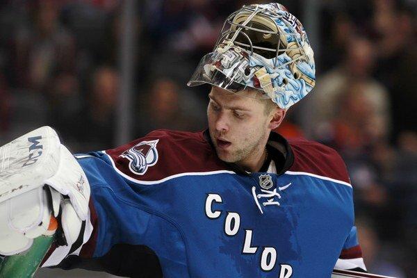 Semion Varlamov má vážne nehokejové problémy.