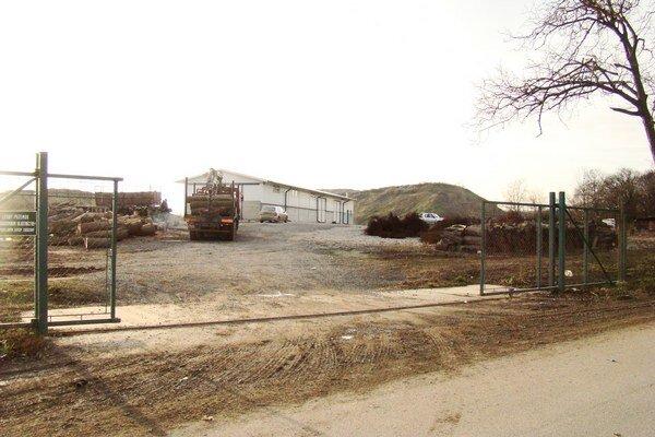 Pezinský odpad končí na regionálnej skládke v Senci v časti Červený Majer.
