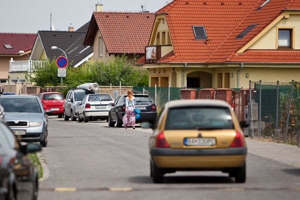 Na Čiernej Vode je stále viac domov, nová škola je pre obe nevyhnutnosťou.