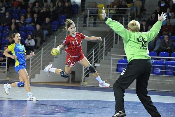 Dominika Kodajová pokračuje v hádzanárskej kariére v Dusle Šaľa.