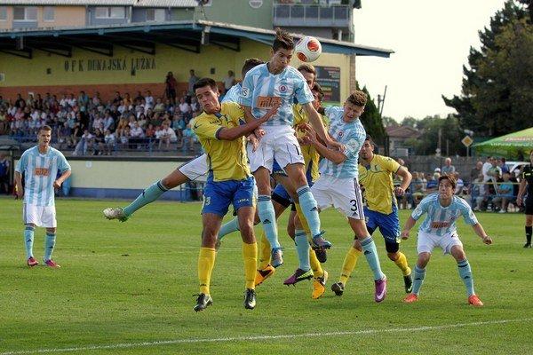 Futbalisti Dunajskej Lužnej v 6. kole 3. ligy západ zdolali juniorov Slovanu 3:1.