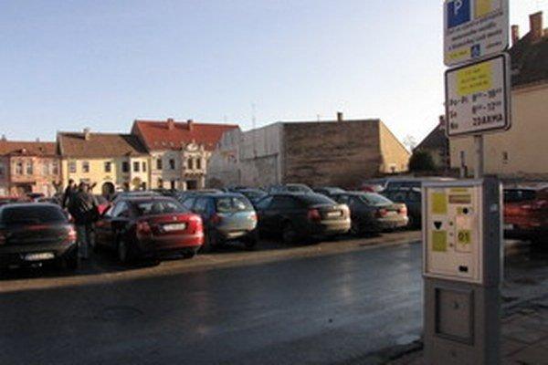 Asi 300 tisíc eur chce radnica použiť na výstavbu nových parkovísk.