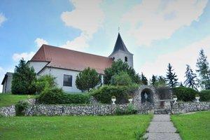 Kostol je významnou obecnou pamiatkou.