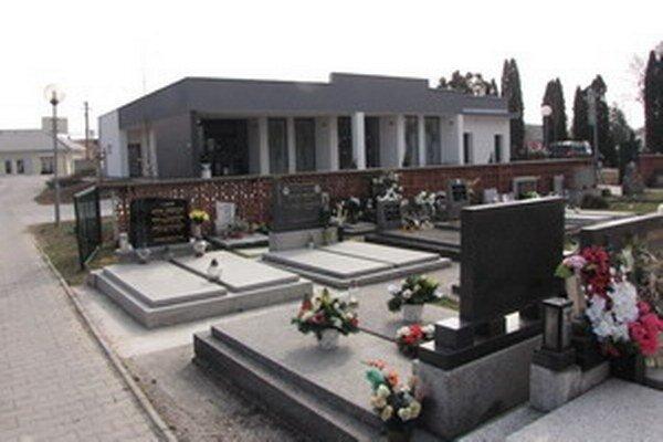 Cintorín na Žilinskej ceste v Piešťanoch.