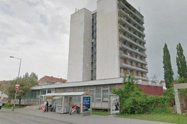 Mesto by budovu rado predalo.