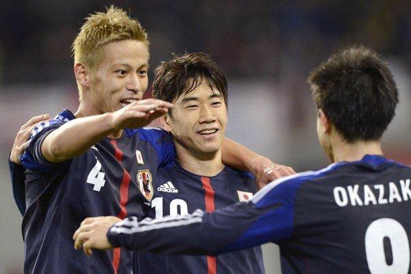 Dva góly Japonska v zápase s Lotyšskom zaznamenal Šindži Okazaki.