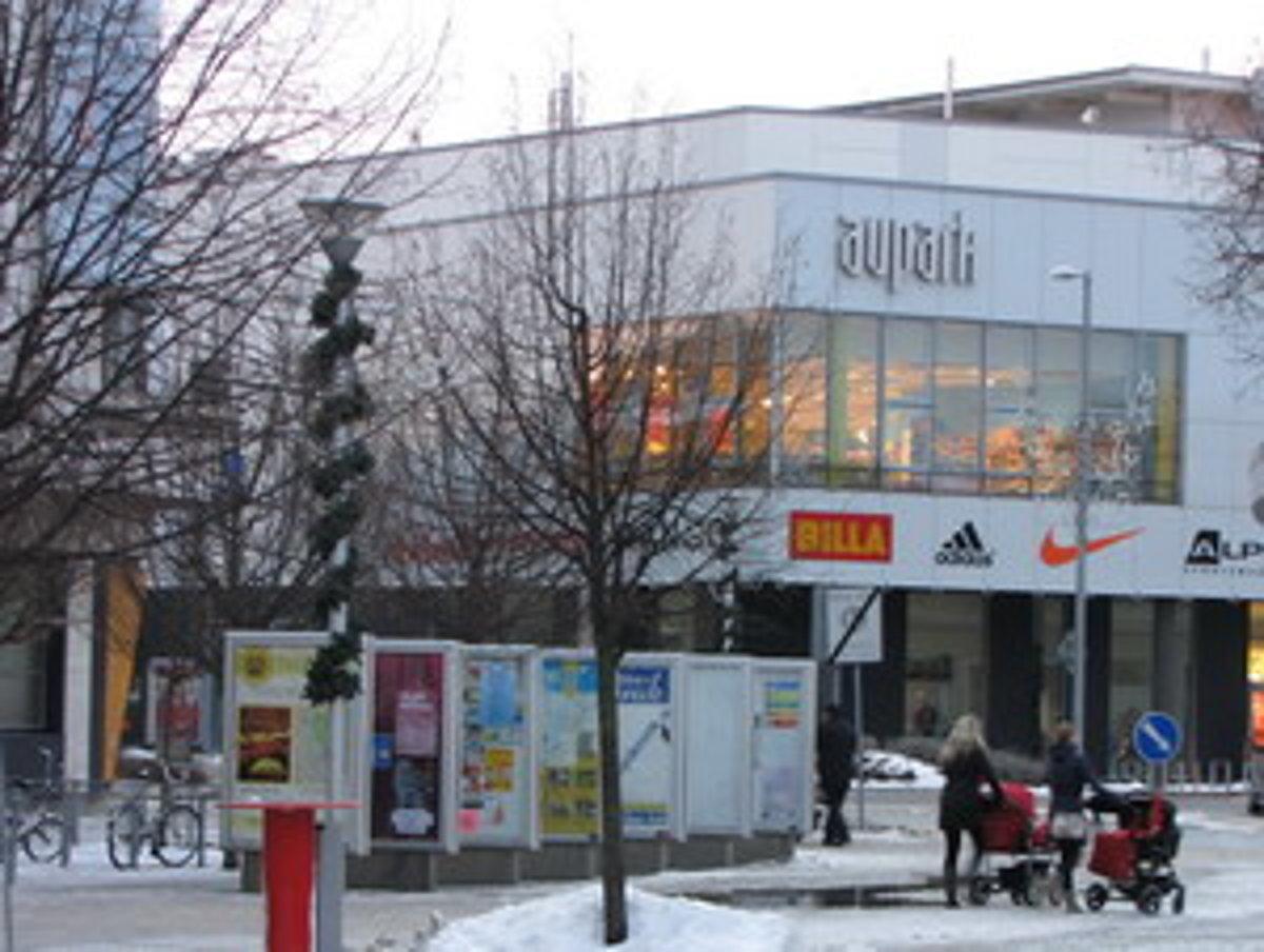 5f8b8edac6 Za vstup na viacpodlažné parkovisko nákupného centra sa platí 50 centov.