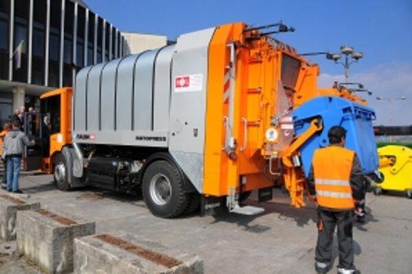 Na miestnych daniach, poplatkoch a pokutách dlhujú daňovníci mestu viac ako pol milióna eur, najviac na poplatku za komunálne odpady.