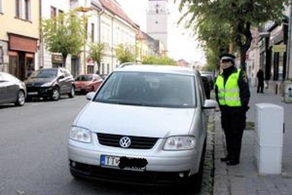 O nových zmenách v parkovaní rozhodnú mestskí poslanci.