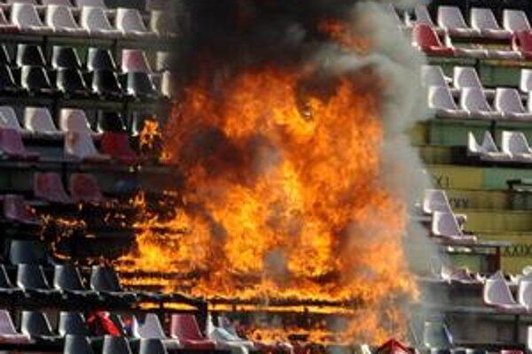 Pred rokom slovanisti podpálili v Trnave tribúnu.