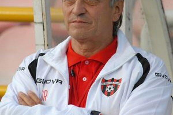 Dušana Radolského čaká v nedeľu prvé derby Slovan - Spartak ako trénera Trnavy. Starosti mu pred ním spôsobuje najmä zranenie Kora Koneho.