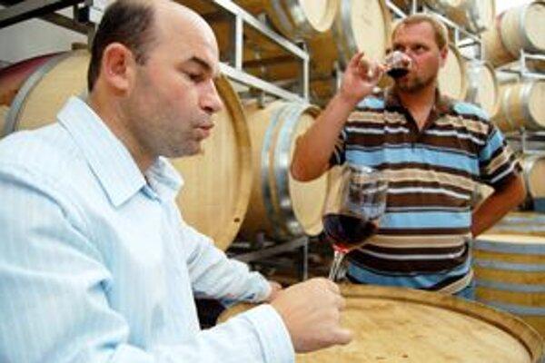 Trnavčania Vladimír Mrva (vľavo) a Peter Stanko sa zaslúžili o dosiaľ najväčší úspech slovenského vinárstva.