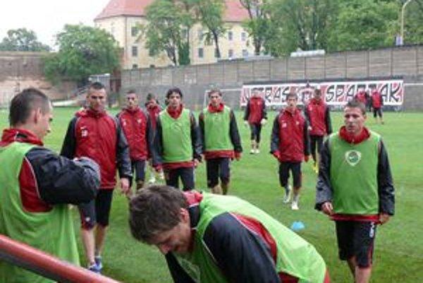 Káder Spartaka dostane novú tvár. Klub vyskúša viacerých hráčov.
