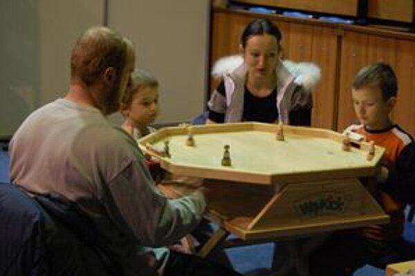 Do mestskej športovej haly sa minulý týždeň konal v poradí prvý trnavský festival hier.