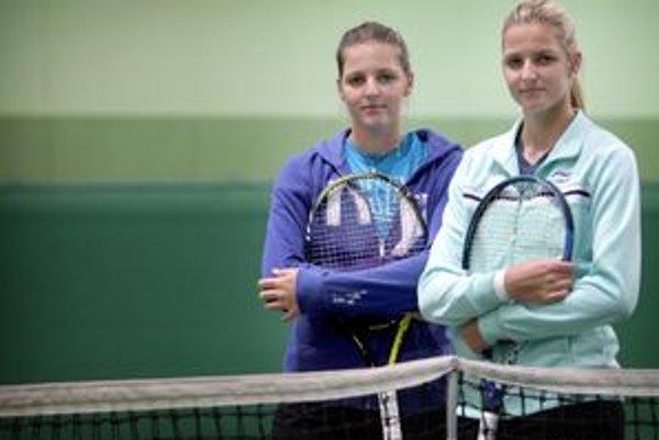 Karolína (vľavo) a Kristýna Plíškové sú všade spolu, aj ich tenisový rast je podobný.