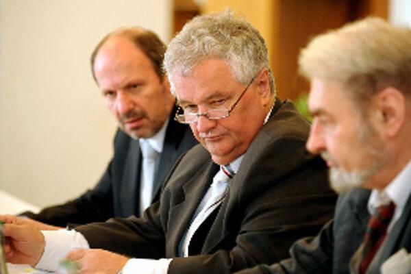 Trnavská radnica bude niektoré investície spomaľovať. Kríza sa nedtkne iba projektov v oblasti dopravy.