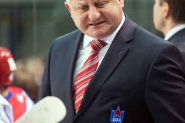 Július Šupler na striedačke CSKA Moskva. Vo štvrtok hrá jeho tím v Poprade (zápas od 19.00 vysiela Sport1).