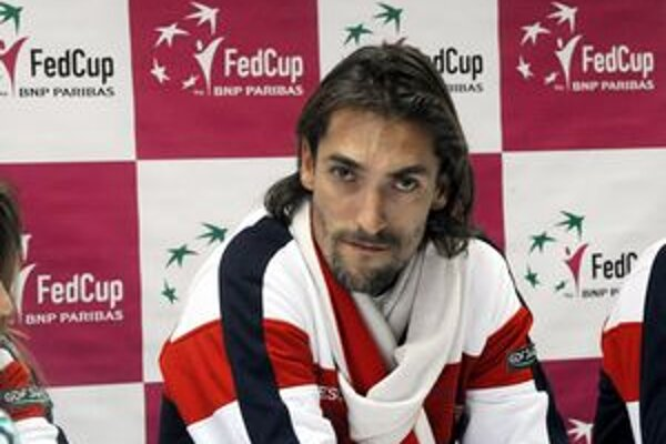 Nicolas Escude.