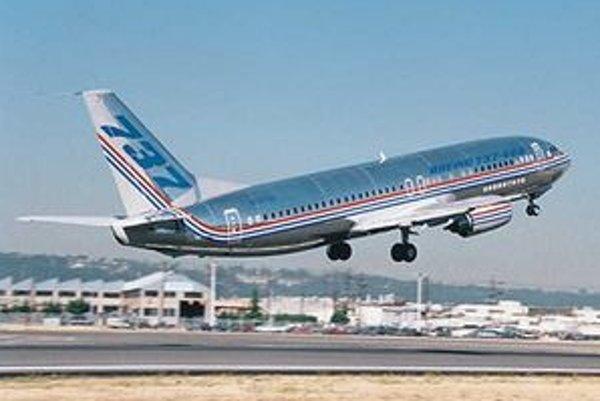 Hokejisti HC Lev budú lietať na vlastnom Boeingu 737-400.