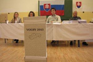 Volebný okrsok č. 12 v Piešťanoch rekordy účasti netrhal.