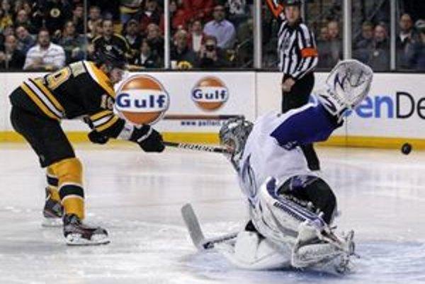 Hrdinom druhého zápasu medzi Bostonom a Tampou bol nováčik Tyler Seguin.