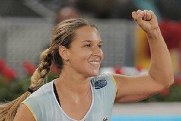 Dominika Cibulková mala na turnaji v Madride veľmi dobrú formu, keď dokázala zdolať aj Mariu Šarapovovú.