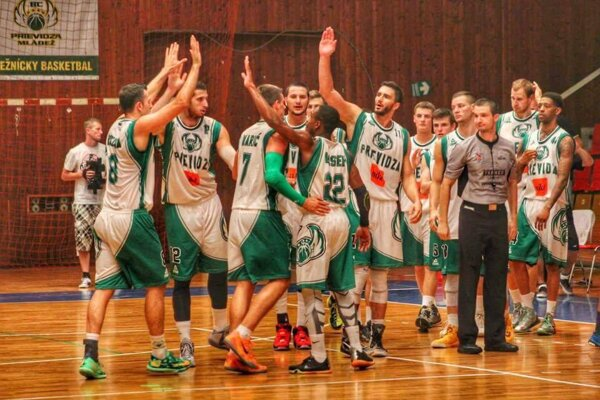 Basketbalisti Prievidze.