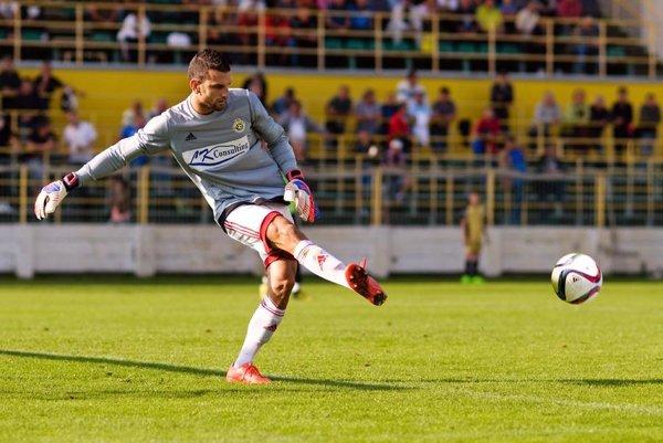 Gólman Lacko svoje mužstvo opäť podržal. Na konci zápasu chytil penaltu.
