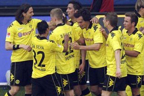 Futbalisti Dortumundu získali titul po deviatich rokoch.