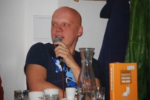 Rado Ondřejíček, autor Cynickej obludy, pochádza z Novej Dubnice