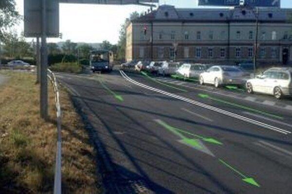Návrh upravuje jazdné pruhy na Rozmarínovej ulici v Trenčíne.