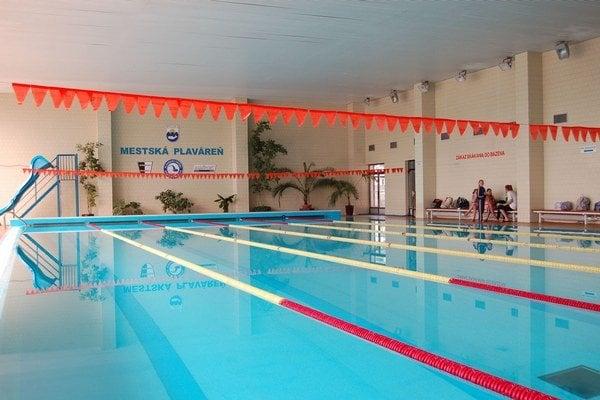 Krytá plaváreň v Myjave: mesto nemá na jej otvorenie peniaze.