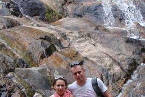 Michal Mertiňák na dovolenke v Thajsku s priateľkou Veronikou.