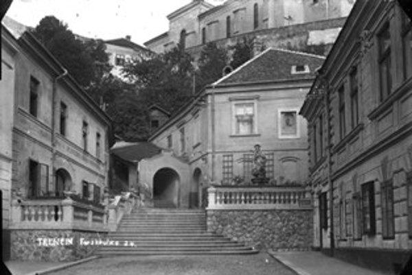 Farské schody - záber z roku 1930.
