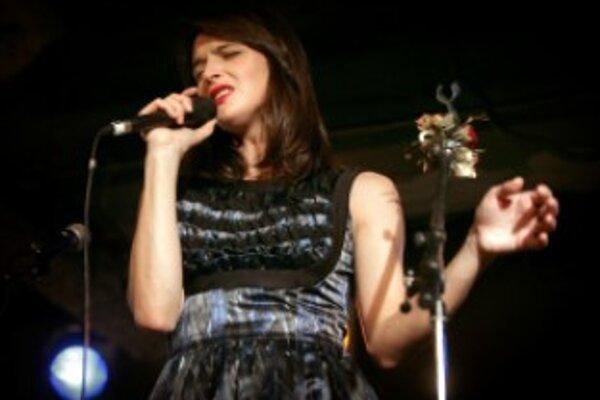 Jana Kirschner sa spolu s ďalšími slovenskými kapelami predstaví v Trenčianskych Bohuslaviciach