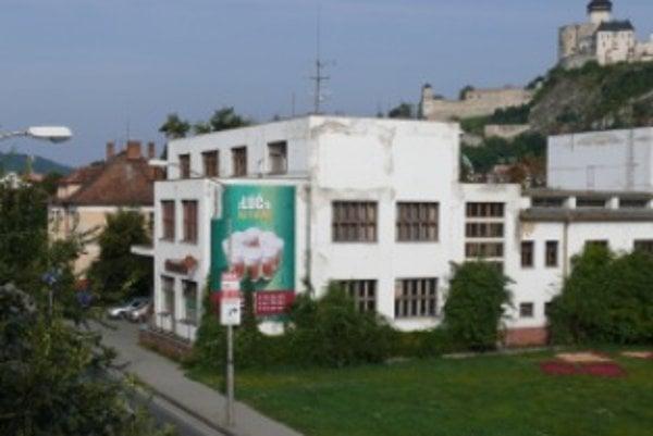 Klub Lúč sídli v budove kina Hviezda