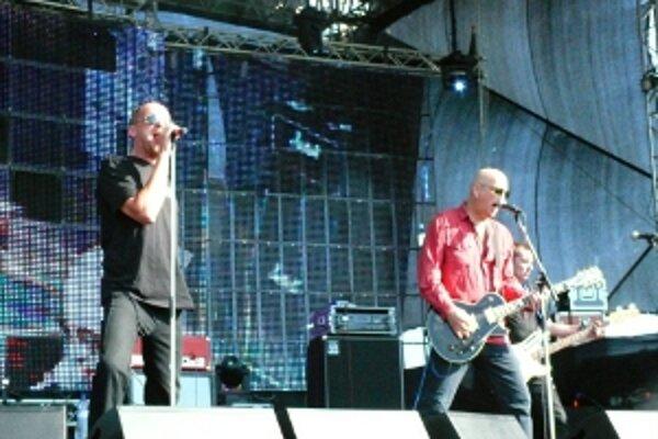 Zo stálic domácej scény sa predstaví punkrocková kapela Slobodná Európa.